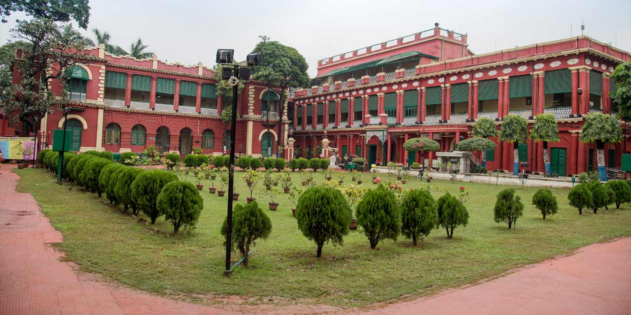 Jorasanko Thakurbari, Kolkata Tourist Attraction